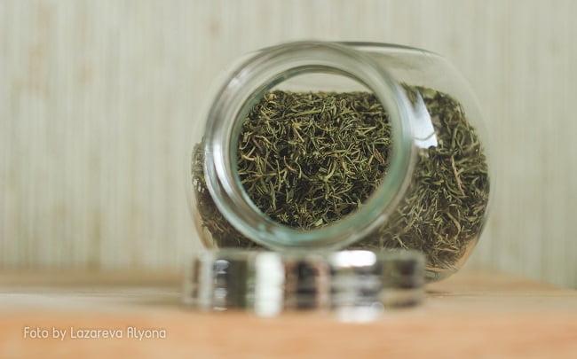 Хранение зелени: сушить или замораживать?