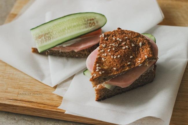 сэндвич с домашним хлебом