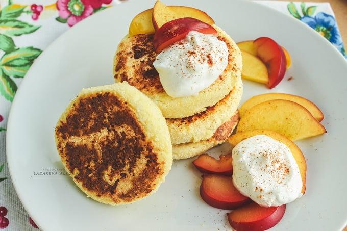 Завтрак-классика: ванильно-кокосовые сырники