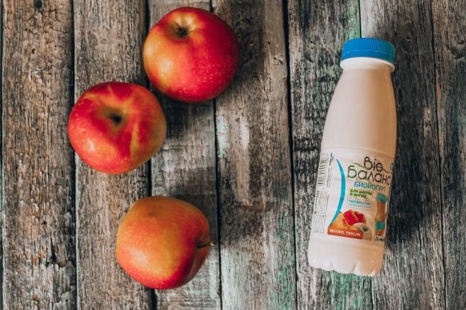 яблоки и йогурт