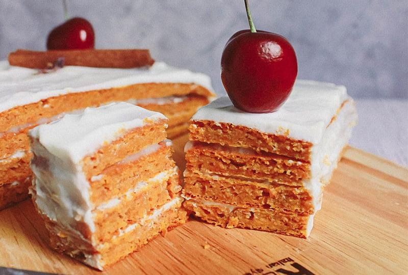 Морковный диетический торт